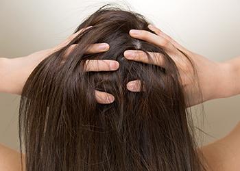 Does Dandruff Cause Hair Fall